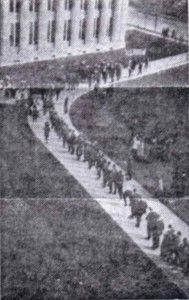 1915 queue for manual training