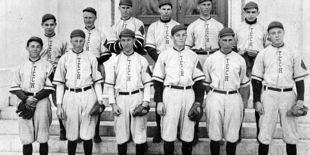 boys-baseball-team-1915