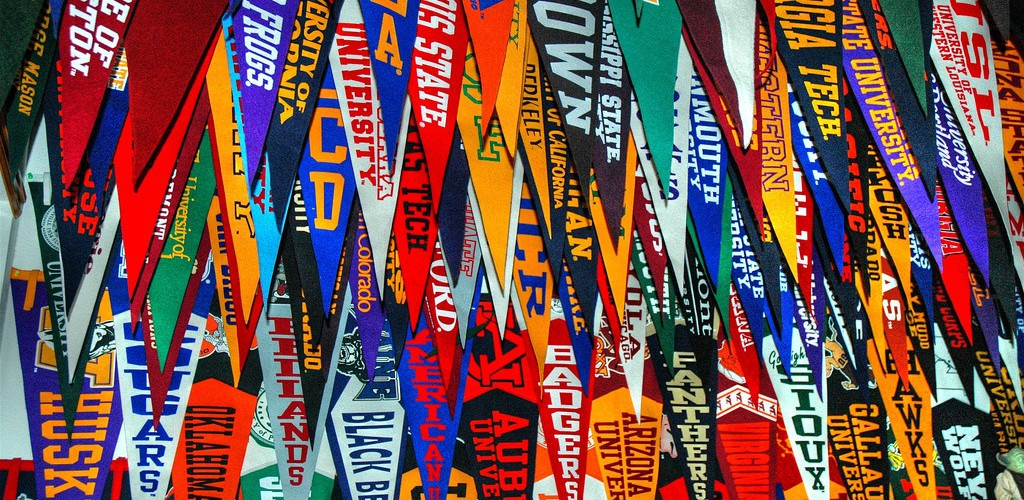Scores-of-College-Pennants