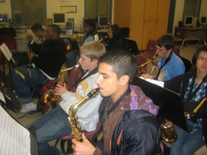 band-practice-the-saxophones-2
